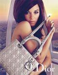 Marion-Cotillard-embarque-a-Londres-pour-le-Lady-Grey-de-Dior_mode_une